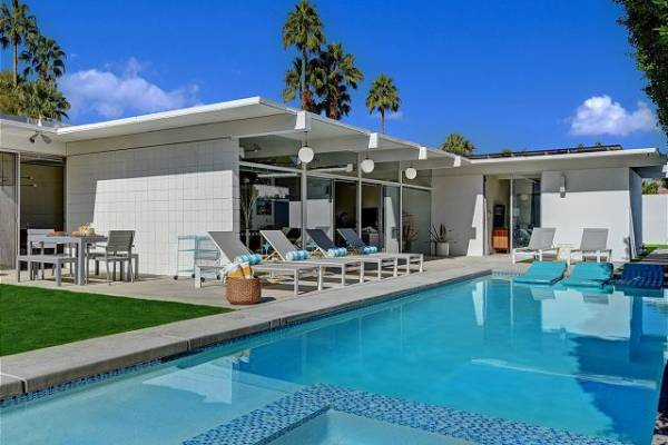 Mid century modern palm springs home
